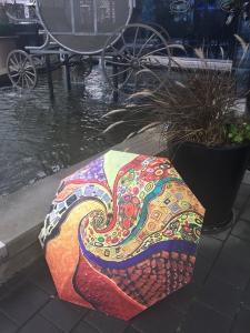 Klimt - La Bella Umbrella